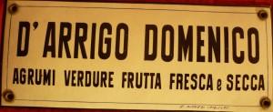Targa del negozio di frutta D'Arrigo di Trieste